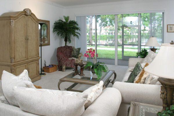 tampa_villa_living_room