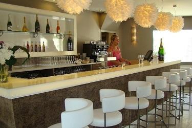 Cap-dAgde-bar-Oz-Inn