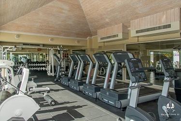 Hedonism II gym-01