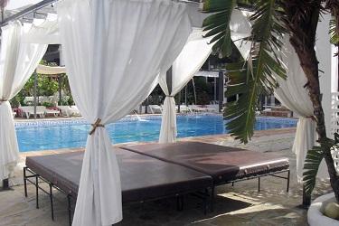 La Macarena zwembad ligbed
